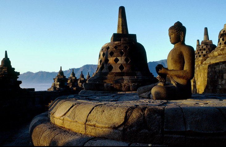 borobudur-temple-crop
